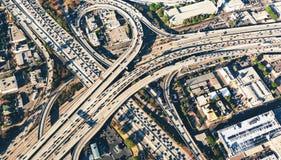Ideia aérea de uma interseção maciça da estrada no LA Fotos de Stock Royalty Free