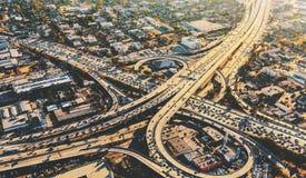 Ideia aérea de uma interseção maciça da estrada no LA Imagens de Stock Royalty Free