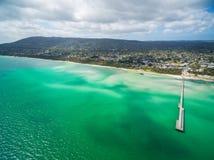 Ideia aérea do cais do Rosebud e do litoral, Melbourne, Austrália imagens de stock royalty free