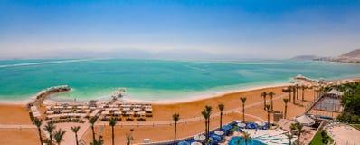 Ideia aérea do panorama da área da praia do Mar Morto de Ein Bokek res fotos de stock