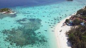 Ideia aérea do paraíso Ko Lipe, Tailândia video estoque