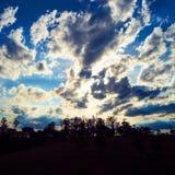 Ideia aérea do por do sol fantástico no campo imagens de stock