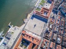Ideia aérea do quadrado do comércio de Lisboa, Portugal foto de stock