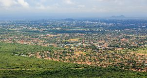 A ideia aérea rapidamente de alastrar a cidade de Gaborone espalhou para fora sobre t Foto de Stock Royalty Free