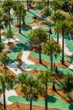 Ideia aérea de um curso de mini golfe. Fotografia de Stock Royalty Free