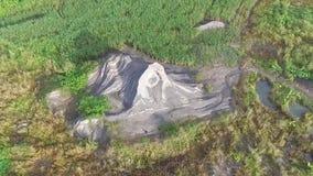 Ideia bonita da antena/zangão da área de mineração da areia anterior em Indonésia filme