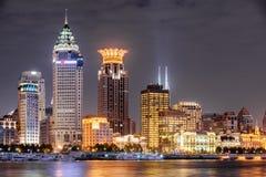 Ideia bonita da noite da skyline de Puxi em Shanghai, China fotos de stock