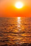 Ideia cênico do por do sol bonito acima do mar Imagem de Stock Royalty Free