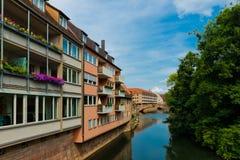 Ideia cênico do verão da arquitetura velha da cidade em Nuremberg, Ge Imagens de Stock Royalty Free