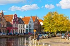 Ideia clássica dos canais de Bruges fotografia de stock royalty free