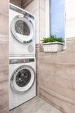 Ideia combinado do banheiro da lavanderia Imagem de Stock Royalty Free