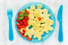 Ideia criativa do café da manhã saudável e delicioso do Natal para crianças imagens de stock