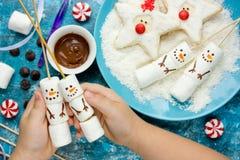 Ideia criativa tratar crianças para a festa de Natal - pântano caseiro Imagem de Stock