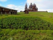 Ideia da entrada principal da ilha de Kizhi Pogost Kizhi, lago onega, Car?lia, R?ssia imagens de stock