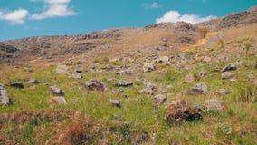 Ideia da natureza bonita da montanha e do monte das pedras em Geórgia filme