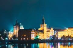 Ideia da noite da arquitetura da cidade de Praga, Rep?blica Checa foto de stock