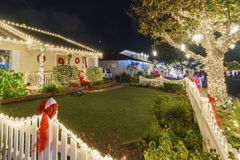 Ideia da noite do Natal bonito nos doces Cane Lane Fotografia de Stock