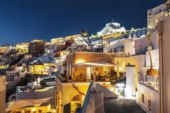 Ideia da noite Fira, a capital de Santorini Fotos de Stock Royalty Free