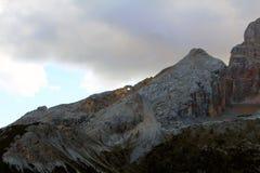 Ideia da paisagem das montanhas e dos picos das dolomites, Itália fotografia de stock royalty free