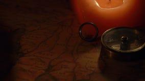 Ideia da rotação do compasso e da vela vídeos de arquivo