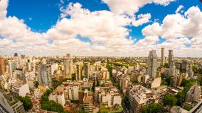 Ideia da skyline de Buenos Aires em um dia nebuloso Fotografia de Stock Royalty Free