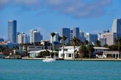 Ideia da skyline de Riva Alta Homes e de Miami fotos de stock royalty free