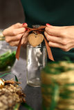 Ideia das decorações do Natal de um presente feito a mão Fotos de Stock Royalty Free