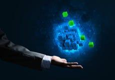 A ideia das novas tecnologias e da integração apresentou pela figura do cubo Imagens de Stock Royalty Free