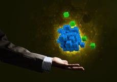 A ideia das novas tecnologias e da integração apresentou pela figura do cubo Fotografia de Stock