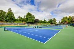 Ideia de ângulo alto dos campos de tênis em Tacoma imagens de stock royalty free