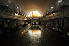 Ideia de ângulo larga do museu de arte Piscine do La e da indústria, Roubaix França fotografia de stock