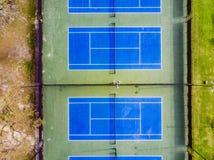Ideia de Arial de um campo de tênis imagem de stock royalty free