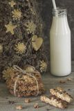 Ideia de decoros caseiros recentemente cozidos do Natal das cookies de farinha de aveia Imagem de Stock Royalty Free