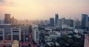 ideia de lapso de tempo 4k da skyline de Banguecoque no por do sol video estoque
