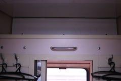 Ideia de lugares do sono em um carro do compartimento Detalhes e close-up fotos de stock