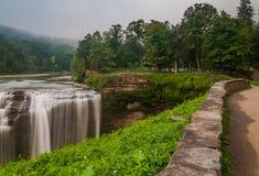 Ideia de quedas médias, parque estadual da manhã de Letchworth, NY Imagem de Stock Royalty Free
