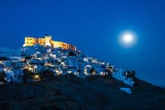 Ideia de uma noite em Astypalaia, uma ilha do Egeu da Lua cheia de Grécia Imagens de Stock