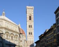 Ideia de uma vista de Florença com a torre da catedral, de sino de Giotto e o baptistery fotos de stock
