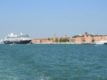 Ideia de Veneza, de It?lia e de sua outra arquitetura do canal grande, dia claro fotografia de stock