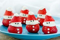 Ideia do alimento do divertimento do Natal - morango Santa Claus fotografia de stock royalty free