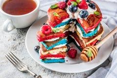 Ideia do café da manhã do Dia da Independência com panquecas imagem de stock
