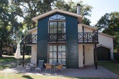 Ideia do exterior de uma casa moderna fotos de stock royalty free