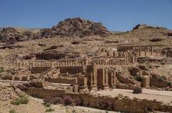 Ideia do grande templo e da porta arqueada em PETRA da cidade antiga, Foto de Stock Royalty Free