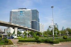 Ideia do H M Rainha que constrói Sirikit Buildind, hospital de Chulalongkorn em um dia ensolarado Banguecoque, Tailândia Imagem de Stock