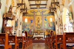 Ideia do interior nos 100 anos antigos da igreja Foto de Stock