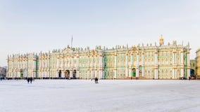 Ideia do inverno do quadrado do palácio em St Petersburg, Rússia imagem de stock