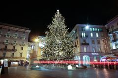 Ideia do mercado do Natal do te no quadrado central de Lugano, Suíça imagens de stock