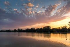 Ideia do por do sol de enfileirar o local de encontro na cidade de Plovdiv, Bulgária imagens de stock royalty free