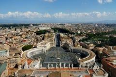 Ideia do quadrado do ` s de St Peter da abóbada da basílica papal Foto de Stock Royalty Free
