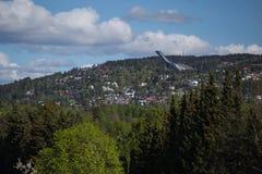 Ideia do salto de esqui Holmenkollen do ` s de Oslo fotografia de stock royalty free